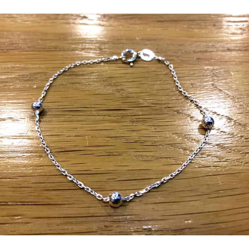 Chaîne poignet perles argent
